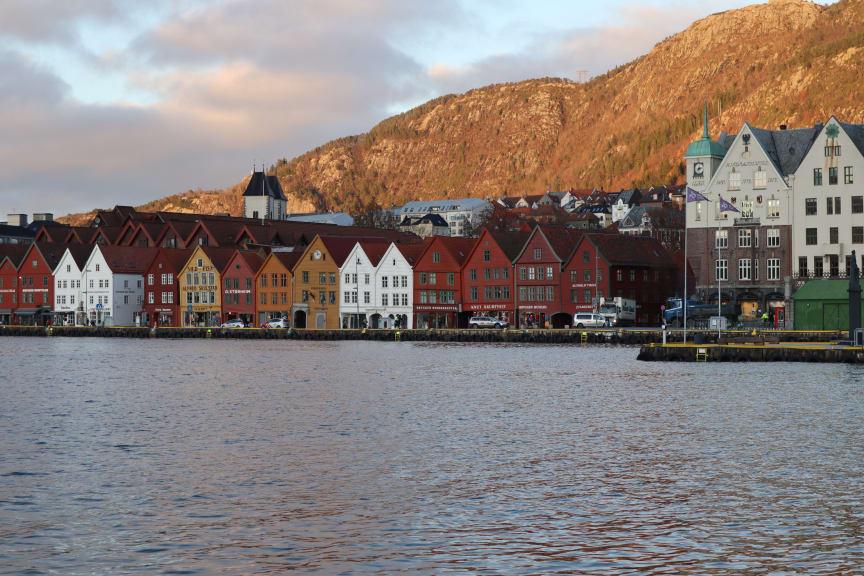 Bergen ved sjøen