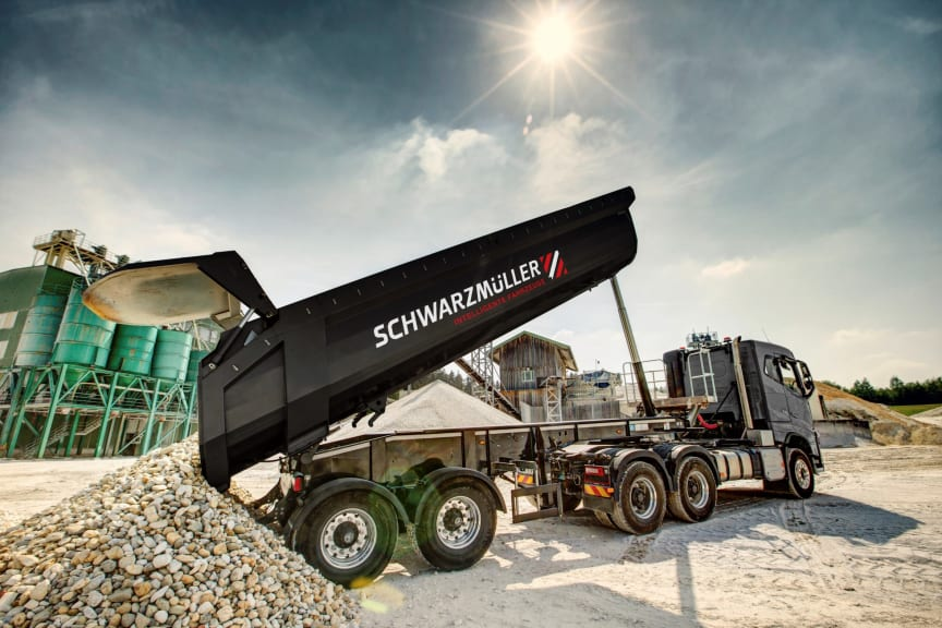 Schwarzmüller delivers all trailers ex works with idem telematics