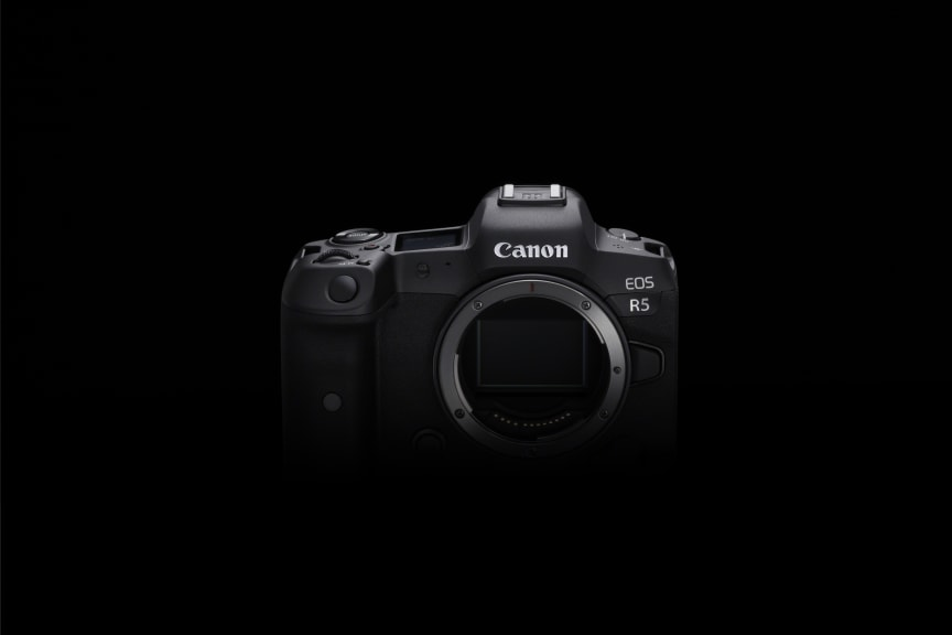 Canon EOS R5_BK_TheFront_Body_2