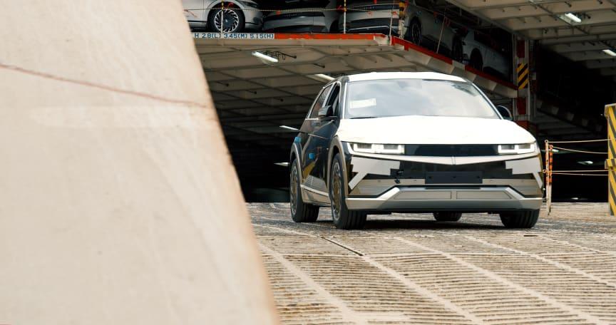 Hyundai_02.jpg