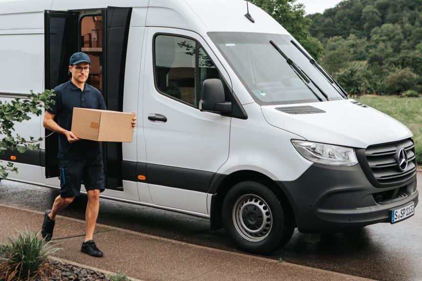 Mercedes-Benz Sprinter 'Speed Delivery Door'