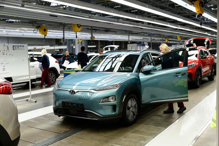 Hyundai_Kona_electric_Werk_Nosovice_133