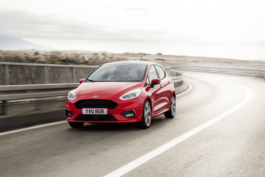FORD_FIESTA_ST-LINE_34_FRONT_DRIVING