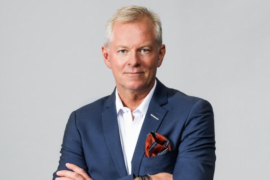 Thomas Byström 4 liggande.jpg