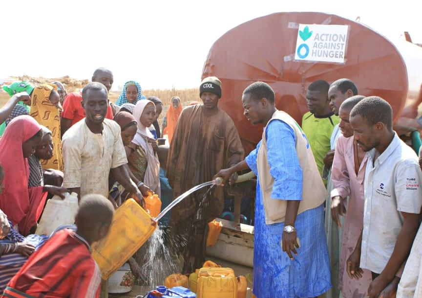 Lake Chad crisis - Water trucking in Monguno[