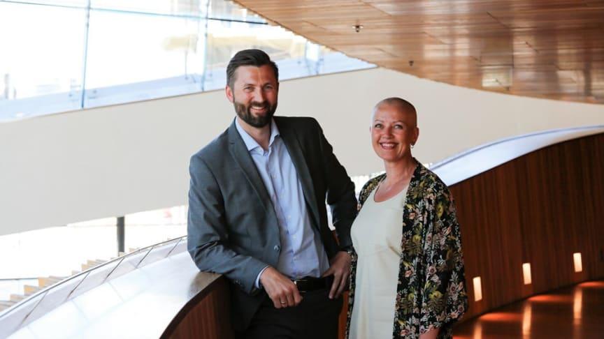 MIXED REALITY. Marianne S Aasen i Bane NOR og Kjetil Taraldlien i Sopra Steria er stolte over HoloLens-prosjektet på Sundvollen.
