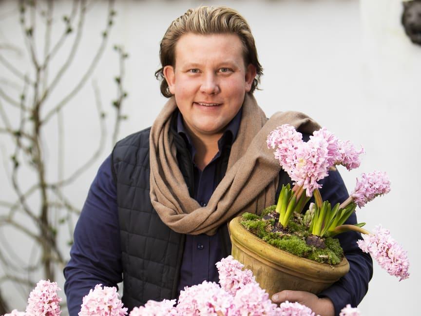 Karl Fredrik på Eklaholm med svenskodlade hyacinter
