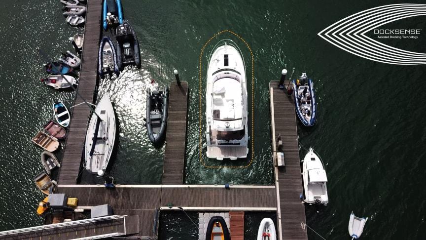 High res image - Raymarine - DockSense
