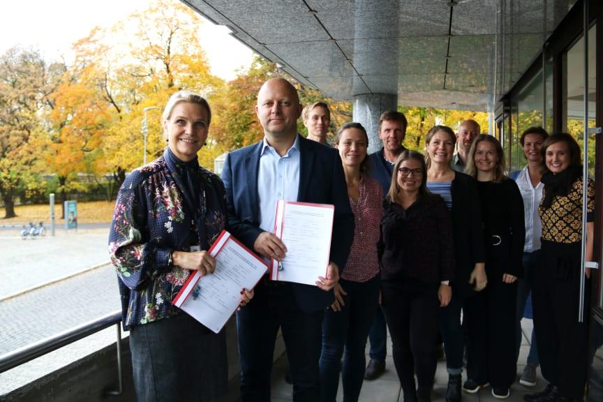 Administrerende direktør i Boligbygg, Marit J. Leganger sammen med Torfinn Lysfjord i ÅF Advansia og involverte i prosjektet.