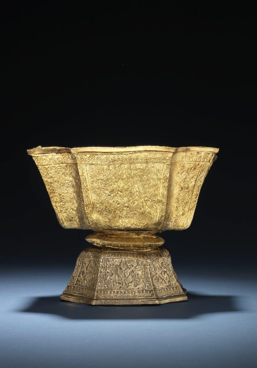 Admiral Andreas du Plessis de Richelieu´s golden bowl.