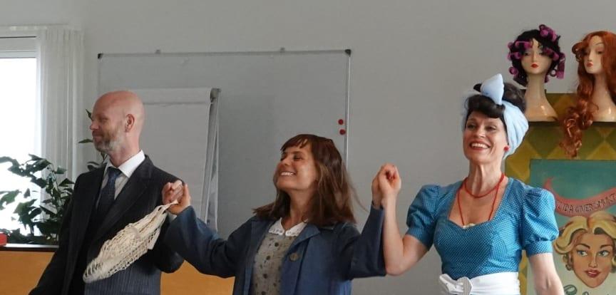 Teater V optrådte på Plejecenter Bistrupvang i Rudersdal.jpg