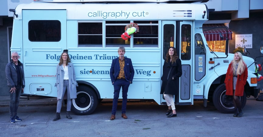 calligraphy cut®-Tourbus TRUDE in Aachen