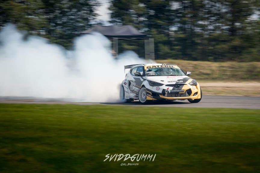 Veloster drifting