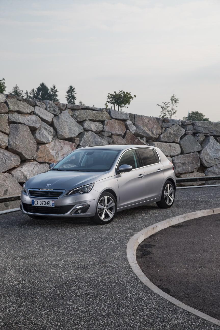Peugeot 308 fem stjärnor i Euro NCAP