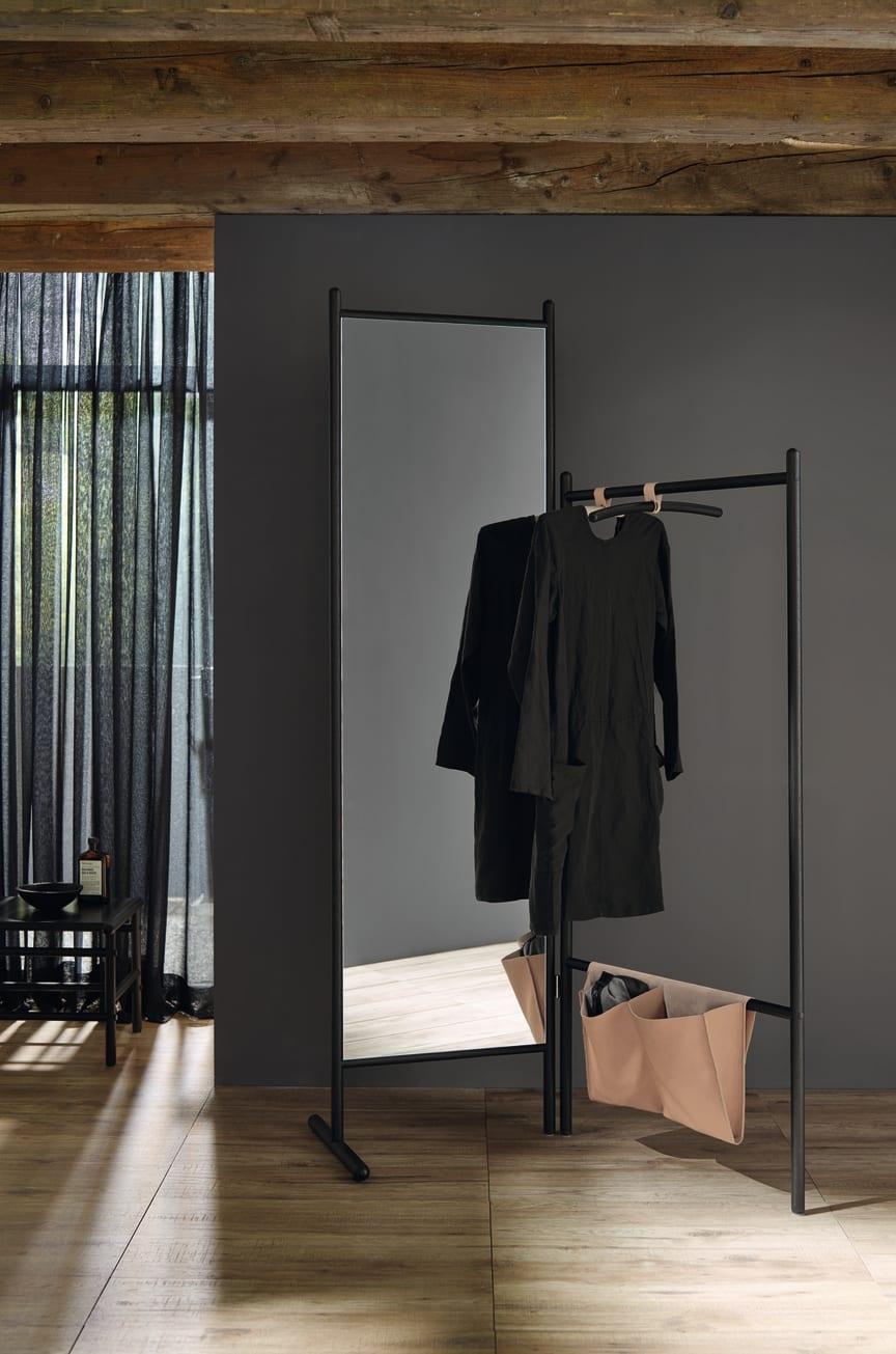 Die neue Badmöbelkollektion Mya von burgbad interpretiert den Landhausstil völlig neu.