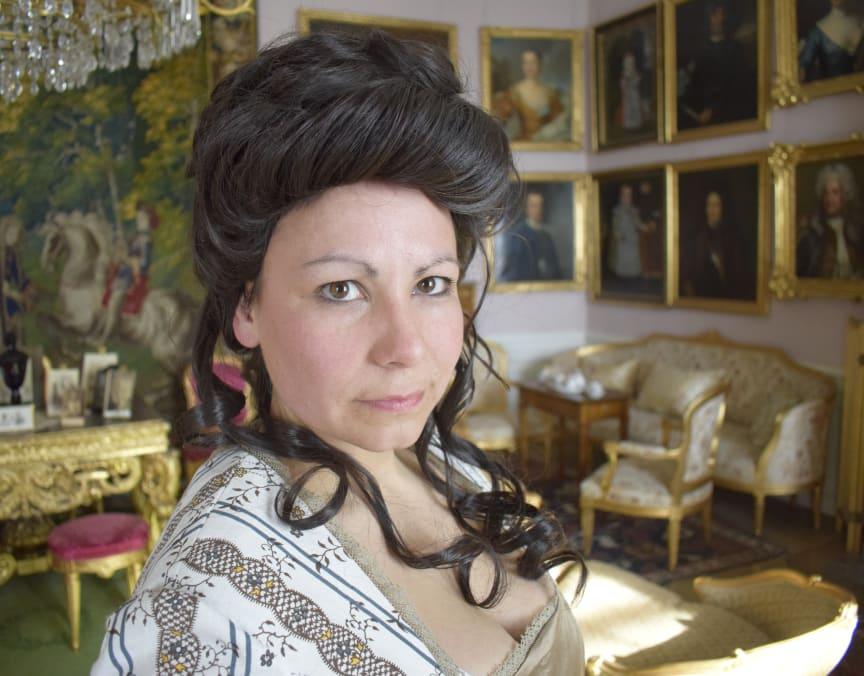 Skådespelerskan Annika Svensson gestaltar Sophie von Fersen