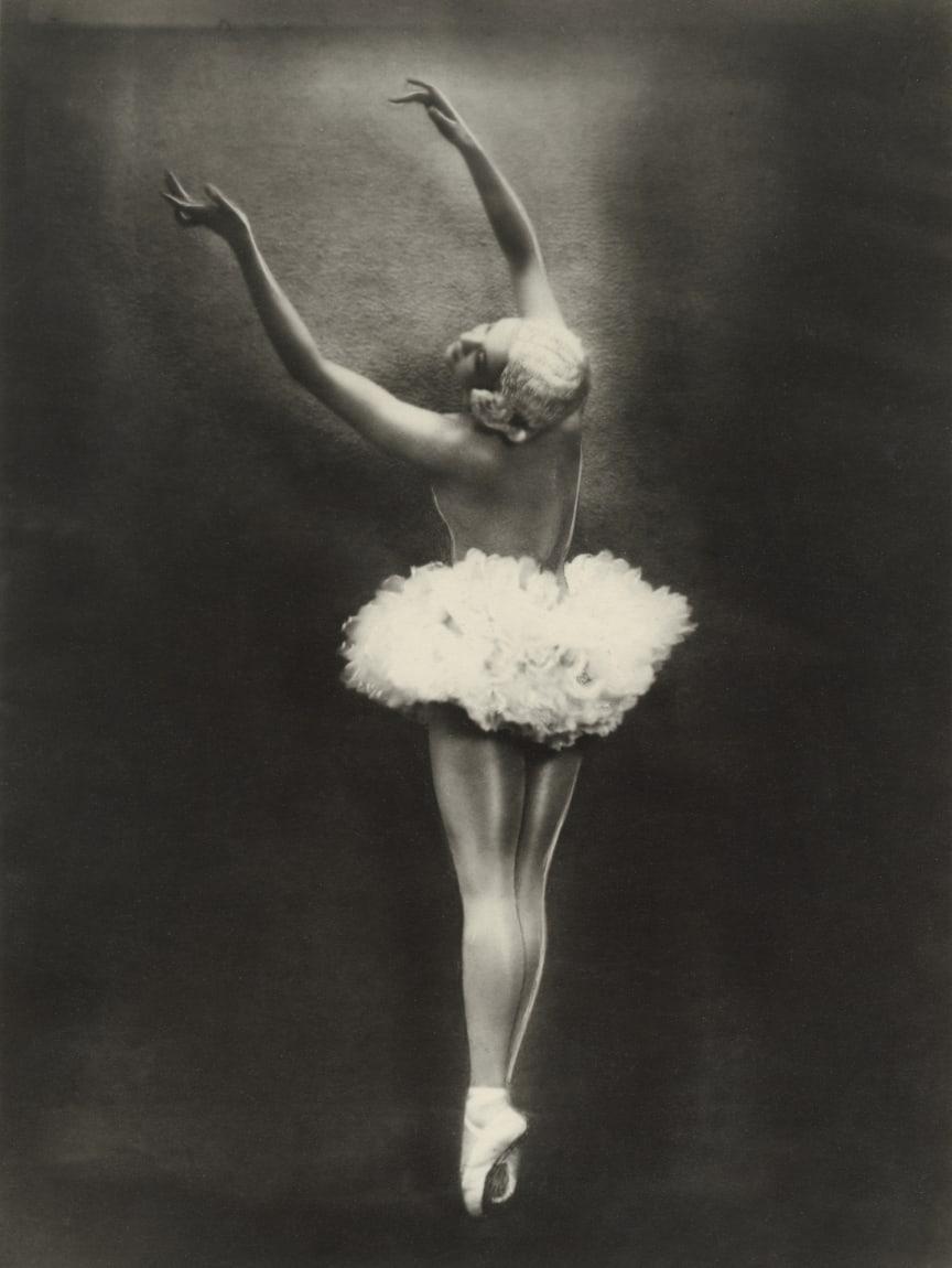 Carina Ari i Dansen för fåglarna.