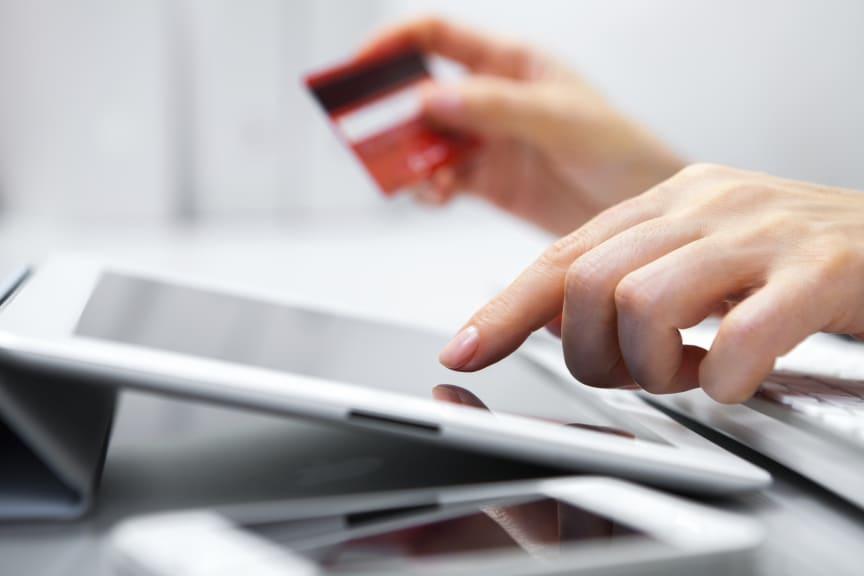 E-handel med kort på surfplatta