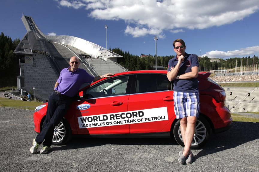 Knut Wilthil og Henrik Borchgrevink satte verdensrekord i økonomikjøring med Ford Focus med den prisbelønte 1.0-liters EcoBoostmotoren