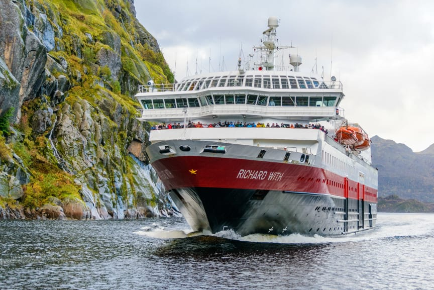 MS-Richard-With-i-Trollfjorden-HGR-109238- Foto_Photo_Competition (1).JPG