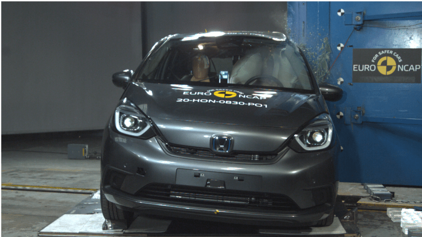 Honda Jazz - Side Pole test 2020