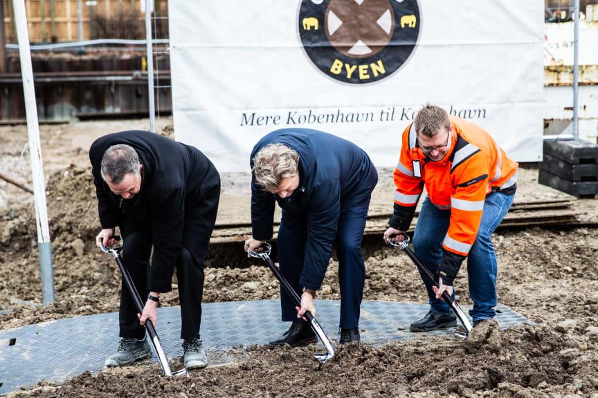 Foto: Visma/PR fra venstre:  Jens Nyhus (Carlsberg Byen), Carsten Boje Møller (Visma) og Thomas Sørensen (Arpe & Kjeldsholm)