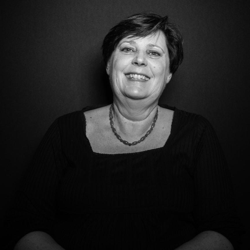 Arom-dekor Kemi Yvonne Helgesson, Financial Manager
