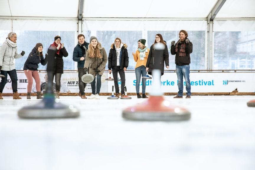 Eisfestival_Eisstockschießen_Kiel_Marketing(c)Kai_Kokott.jpg