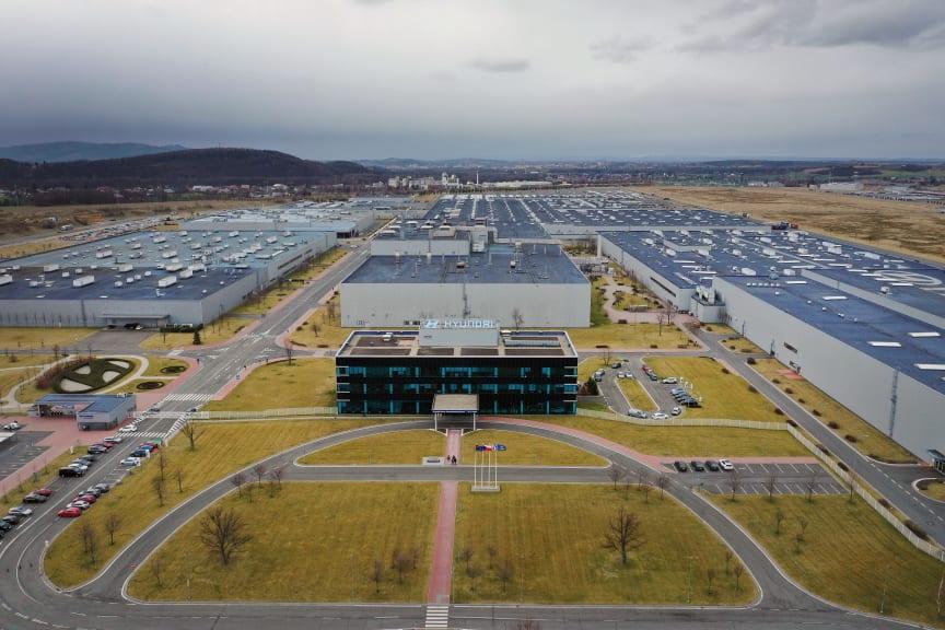Hyundai_Kona_electric_Werk_Nosovice_172c.jpg