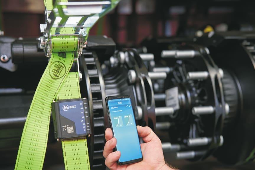 Der iGurt ist ein handlicher, intelligenter Sensor, der die Spannung der Zurrgurte beim Fahren überwacht und so vor Ladungsschäden und Unfällen schützt.