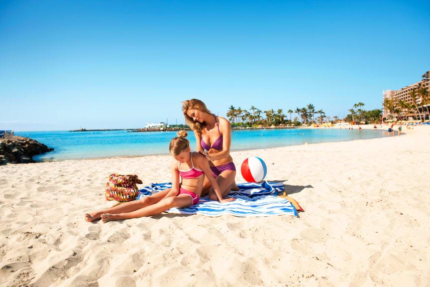 Perhe rannalla, Gran Canaria