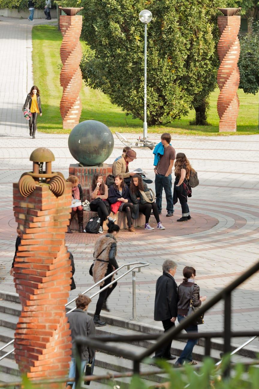 Konstverk i Frescati, Stockholms universitet