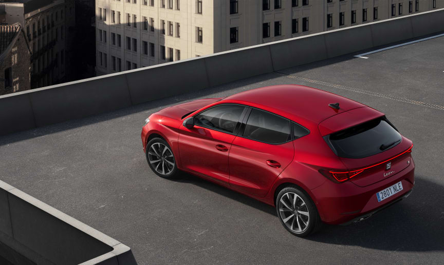 SEAT-launches-the-all-new-SEAT-Leon_04_HQ