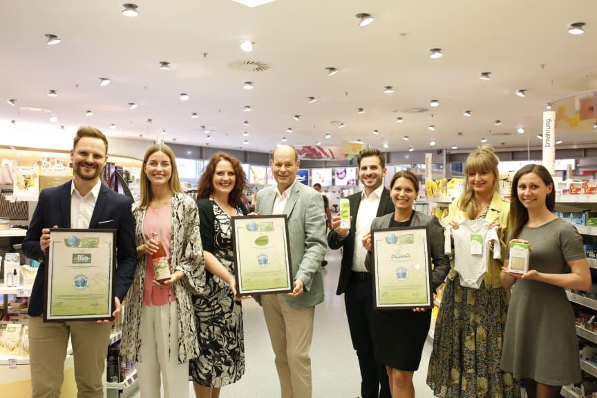 dm-Marken für ökologische Nachhaltigkeit und Engagement erneut mit GREEN BRAND-Award ausgezeichnet