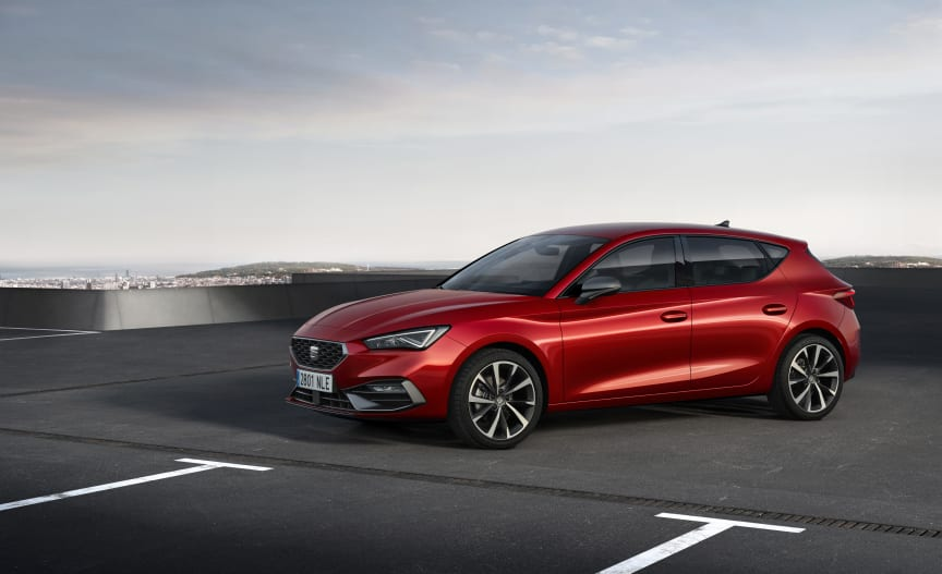 SEAT-launches-the-all-new-SEAT-Leon_02_HQ