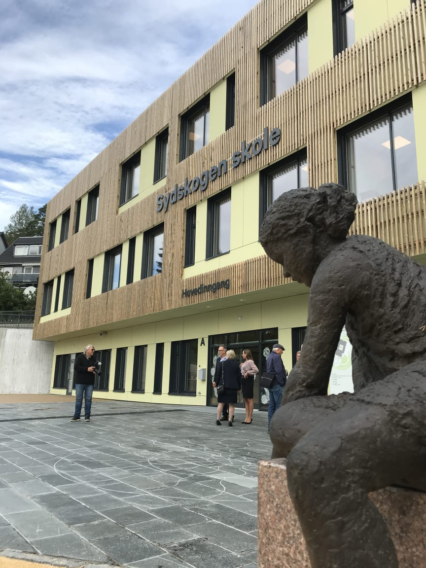Sydskogen skole, front 2