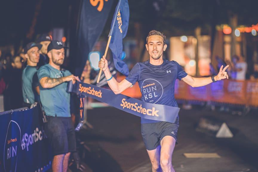 Bei den Männern ging Tom Ring nach 32:49 Minuten als Sieger über die 10km ins Ziel.
