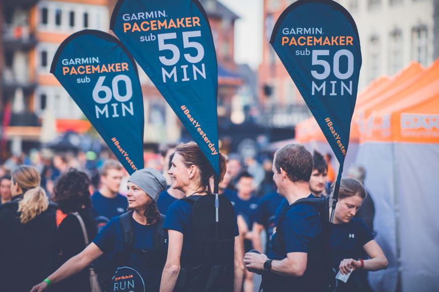 GARMIN Pacemaker treiben die Teilnehmer zu Bestleistungen an.