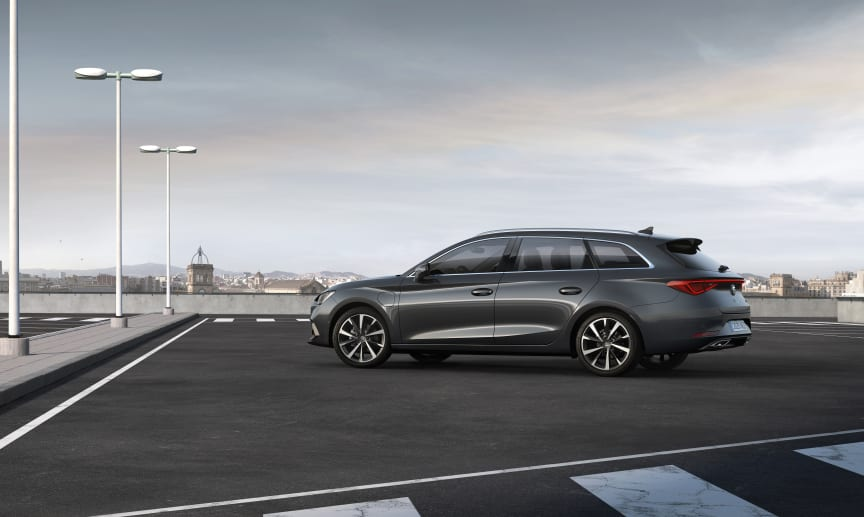 SEAT-launches-the-all-new-SEAT-Leon_07_HQ