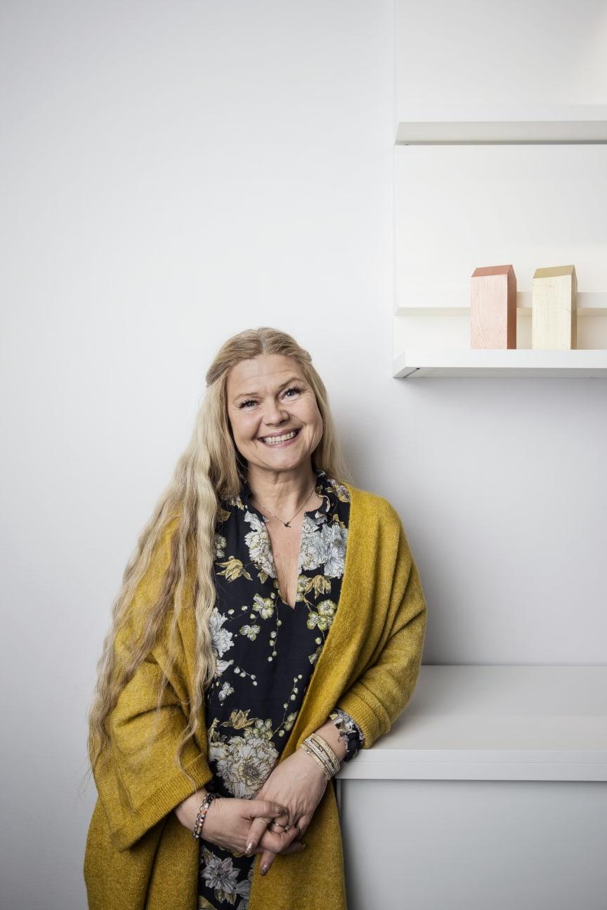Yvonne Karlsson, Alcro Färg
