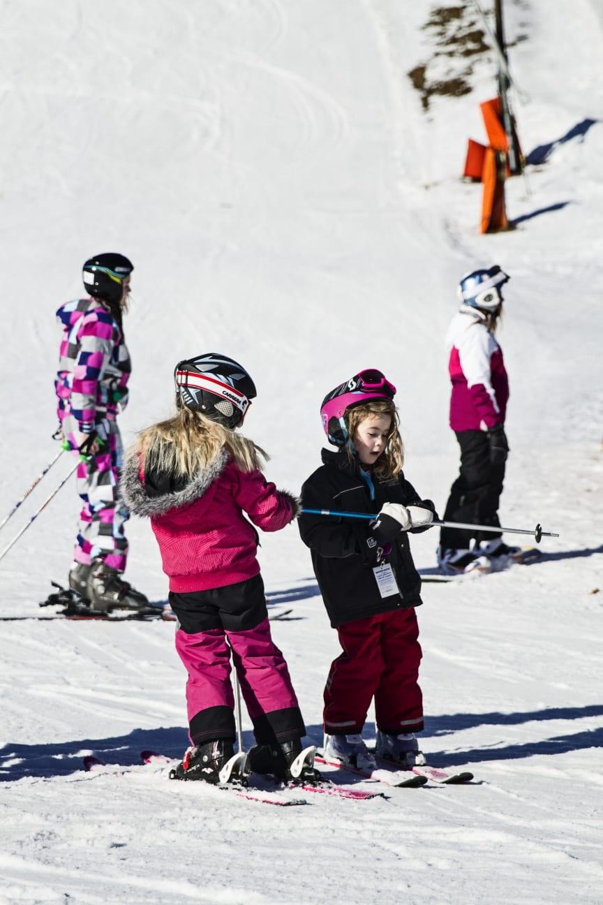 Børn på ski i Ulricehamn. Foto: Ulricehamn