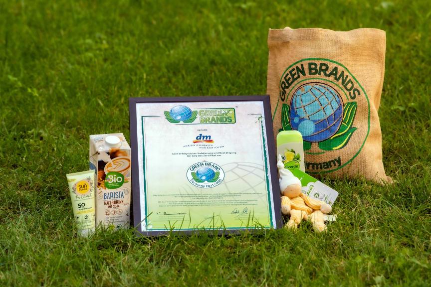 GREEN BRANDS: Auszeichnung für dm-Marken 2021/22