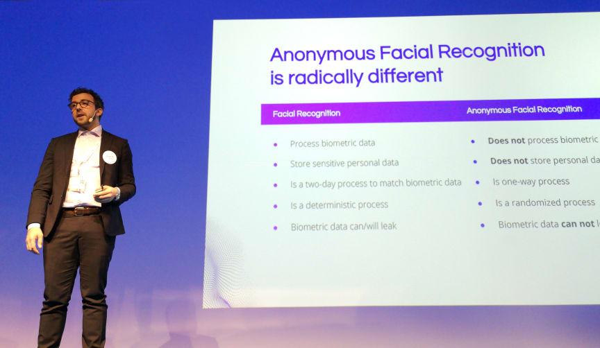 Fredrik Hammargården presenterade Indivds revolutionerande teknik på stora scenen under IBM Think Summit