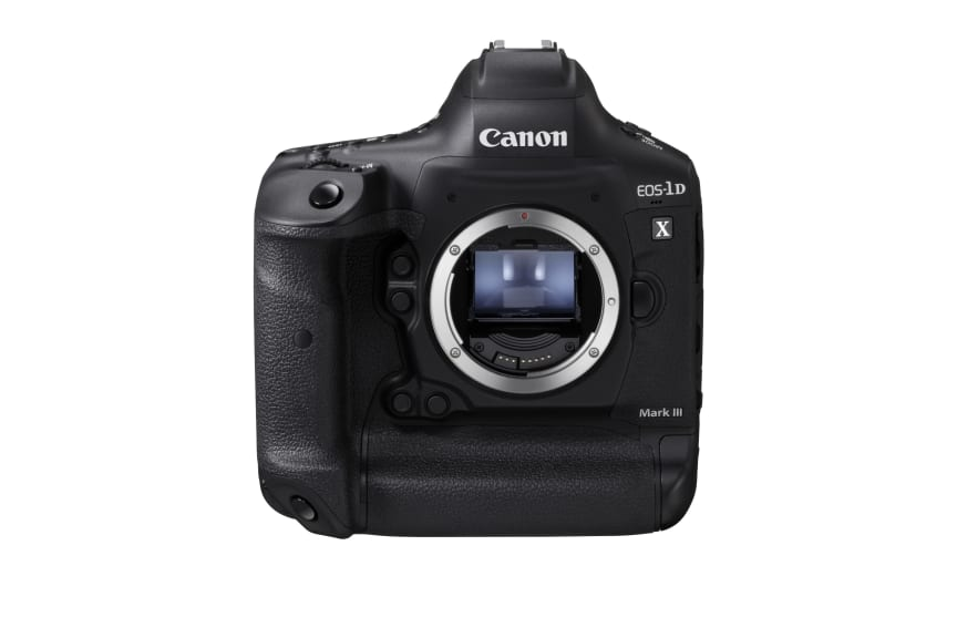 Canon EOS-1D X Mark III_FrontSlantDown_BODY