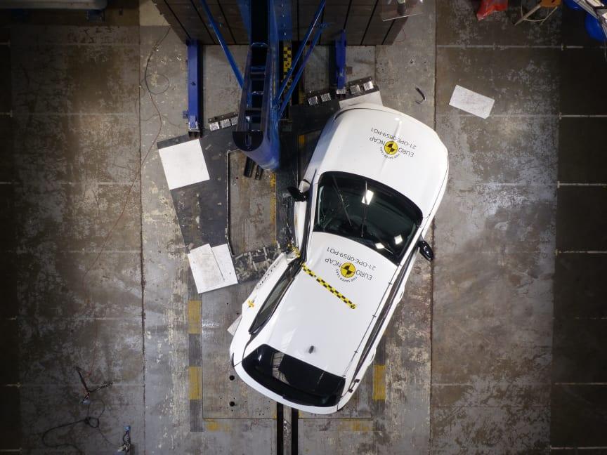 OpelVauxhall Mokka - Side Pole test 2021 - after crash.JPG