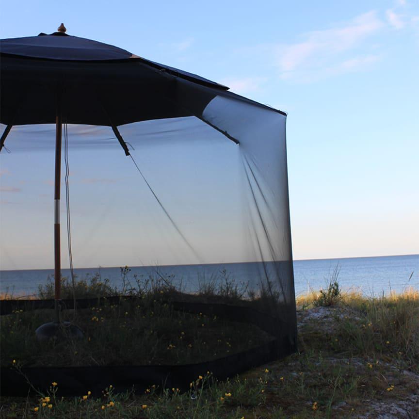 SmartaSaker-insektsnät till parasollet