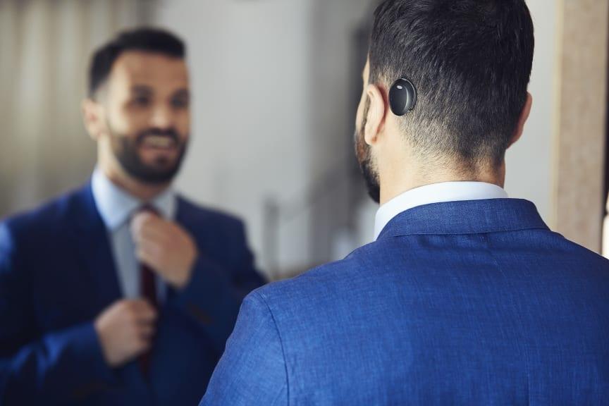 Träger mit dem Cochlear™ Osia® System