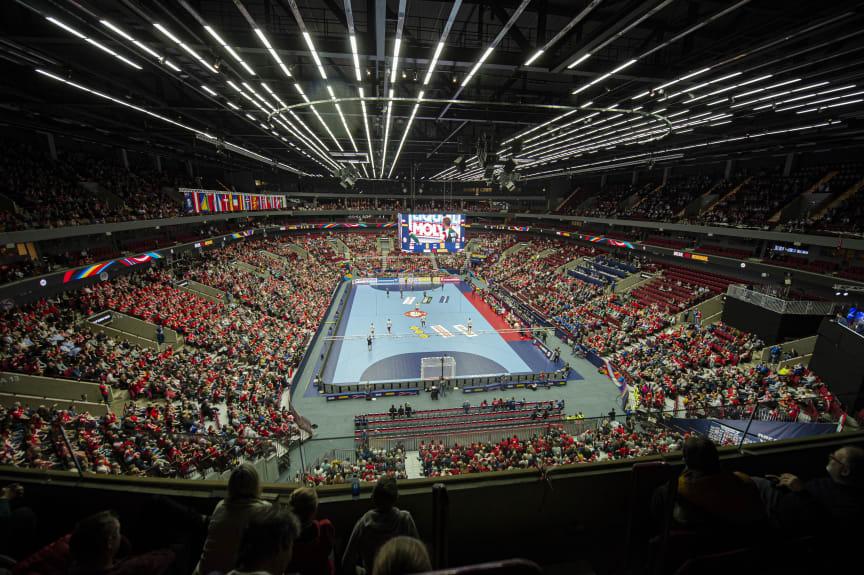 Handboll EM Malmö Arena Bobby Bannister.JPG