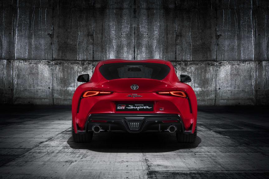 Toyota_Supra_Red_Studio_005