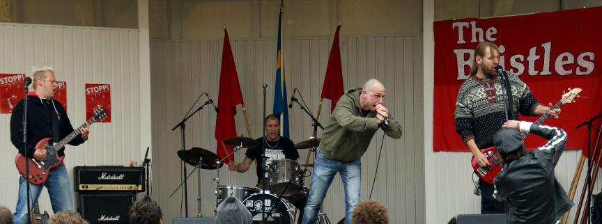 Bristles spelar på nya punkklubben 1000 PUNKS i Lund
